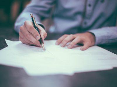De bewijslast bij een vermeend valse handtekening en akte